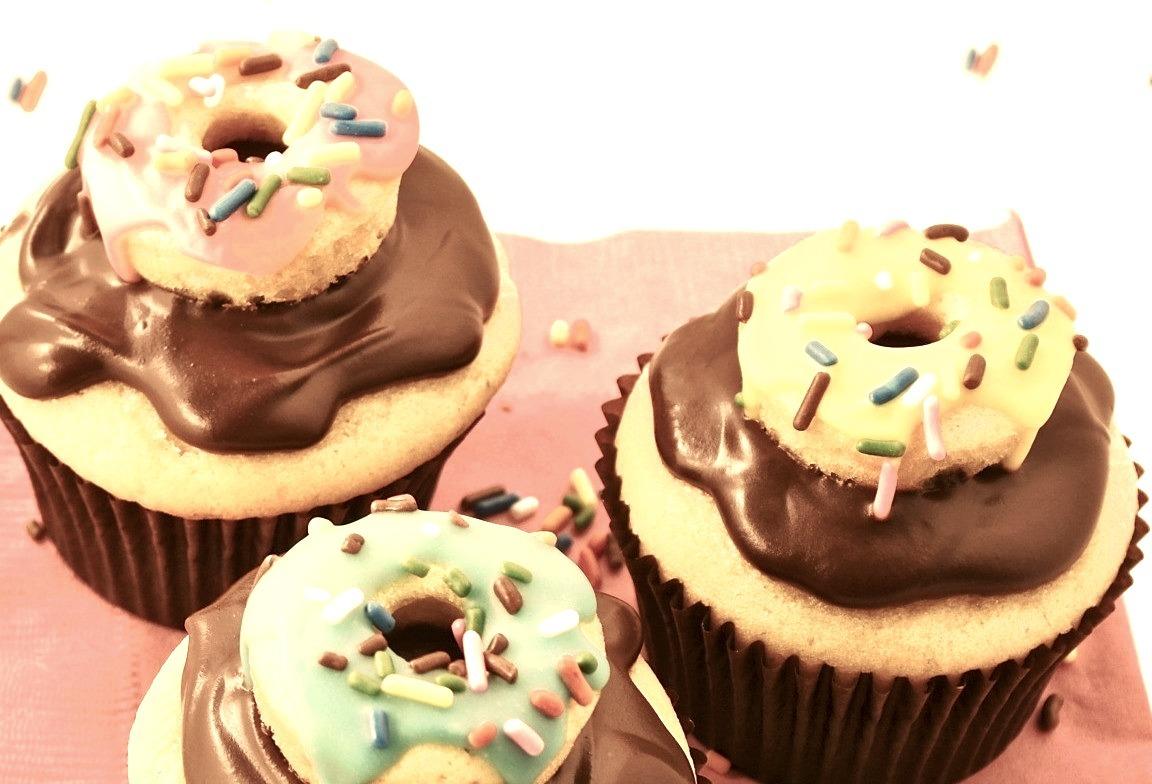 Recipe: Cream Filled Donut Cupcakes