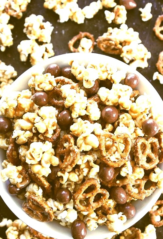 Peanut butter pretzel caramel popcorn